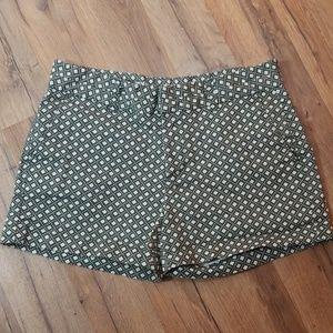 GAP dark green patterned shorts. Size 2.